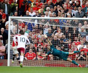 Melempemnya Ronaldo saat MU Dikalahkan Aston Villa