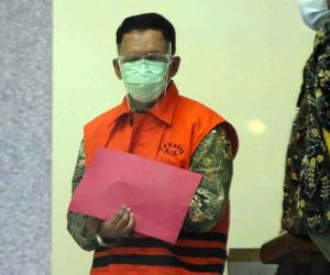 Angin Prayitno Aji, dari Dugaan Aniaya Wartawan hingga Ditahan KPK