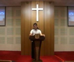 Ceramah di Gereja Berlatar Belakang Salib, Dituding Kafir