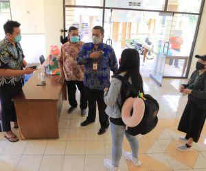 Disnakerkukm Kota Madiun Jemput PMI dan Langsung Dikarantina di Asrama Haji