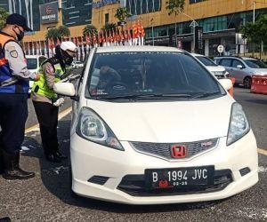 Larangan Mudik Sudah Berlaku di Surabaya, 8 Mobil Pribadi Diputar Balikkan