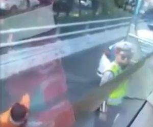 Viral! Video Oknum Polisi Tarik Kondektur Bus hingga Meringis Kesakitan