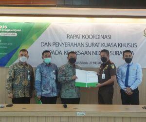 BPJS Ketenagakerjaan Surabaya Darmo Serahkan SKK kepada Kejaksaan