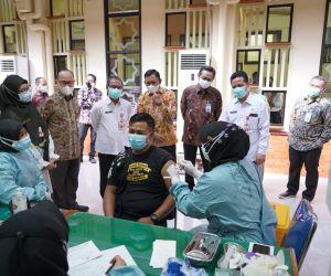 Target 10.500 Vaksin bagi Insan Industri Jasa Keuangan Jatim