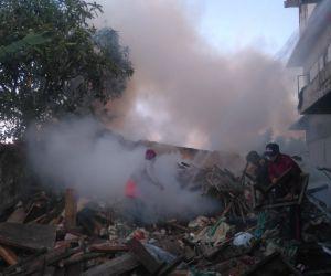 Material Proyek Bangunan di Tuban Terbakar, Kerugian Mencapai Rp 5 Juta Lebih