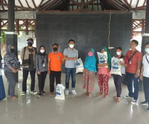Kepala Pos Indonesa Bandar Lampung bersama Dinas Terkait Tinjau Pendistribusian di Pulau Sebesi