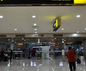Jumlah Wisman dan TPK Hotel Berbintang di Jatim Turun