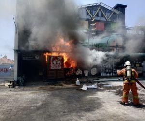 Gara-gara Elpiji, Kafe Prajurit Surabaya Dilahap Si Jago Merah