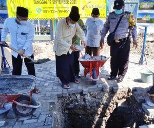 Kyai Ali Mufiz Awali Peletakan Batu Pertama Pembangunan Gedung TPQ Al Qodar