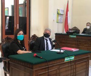 Pemilik Toko Aksesoris Lucky dan Notaris Digugat Karena Harta Gono Gini