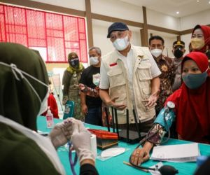 Sinergi KemenKopUKM, Kospin Jasa, dan HIPPINDO Gelar Vaksinasi Massal di Brebes