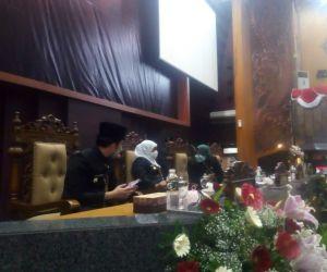 Peringati HUT Jatim Ke-76,Gubenur Jatim Pimpin Rapat Paripurna