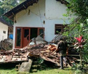 6 Meninggal dan 1 Luka Berat Dampak Gempa di Jawa Timur