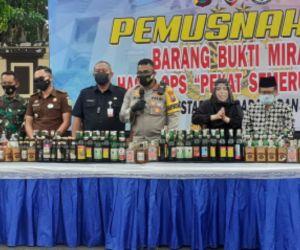 Musnahkan Ribuan Botol Miras, Polrestabes Surabaya Tekan Angka Kriminalitas