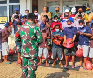 TPPI Dukung Evakuasi 16 Nelayan yang Kecelakaan di Laut