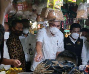 KPPU Dampingi Mendag Sidak Pasar Wonokromo Surabaya