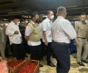 Satgas Pangan Polda Jatim, bersama Menteri Perdagangan Blusukan ke Pasar Wonokromo