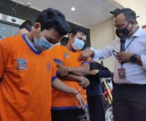 Dua Kurir Sabu Diringkus Timsus Satnarkoba Polrestabes Surabaya