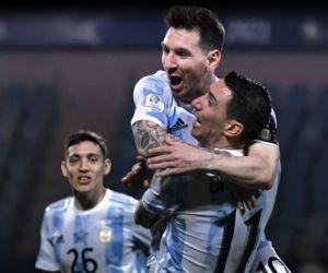 Di Maria Bawa Argentina Juara, Messi Bahagia