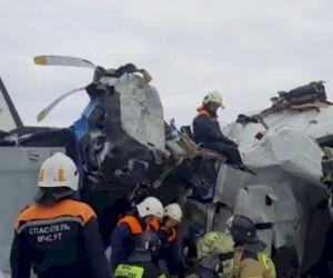 Mesin Mati, Pesawat Penerjun Payung Mendarat Darurat,16 Tewas
