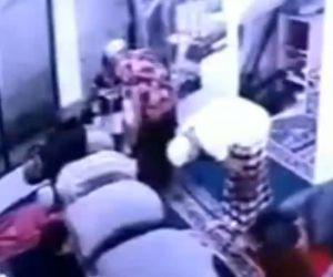 Shalat Jamaah Bubar Gara-Gara Tikus Masuk Sarung