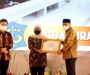 Penghargaan Pembangunan Daerah Terbaik Pemprov Jatim Diraih Surabaya