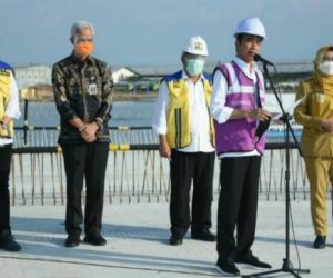 Tinjau Tol Semarang-Demak Seksi 2, Jokowi: Dukung Pertumbuhan Pusat Ekonomi Baru di Jatenf